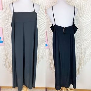 Who what wear black pleated square neck dress XL
